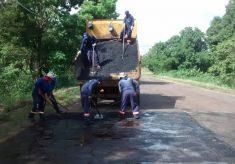 Governo finaliza serviços de manutenção do trecho da TO-210 de Tocantinópolis à BR-230